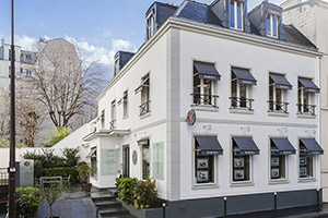 Luxury real estate agency BARNES NEUILLY