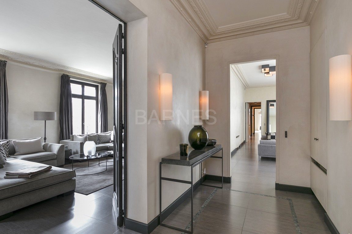 NEUILLY - BOIS - APPARTEMENT 8 PIECES - VOLUMES - VUE DEGAGEE picture 11