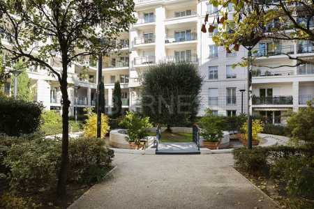 APPARTEMENT COURBEVOIE - Ref A-77160